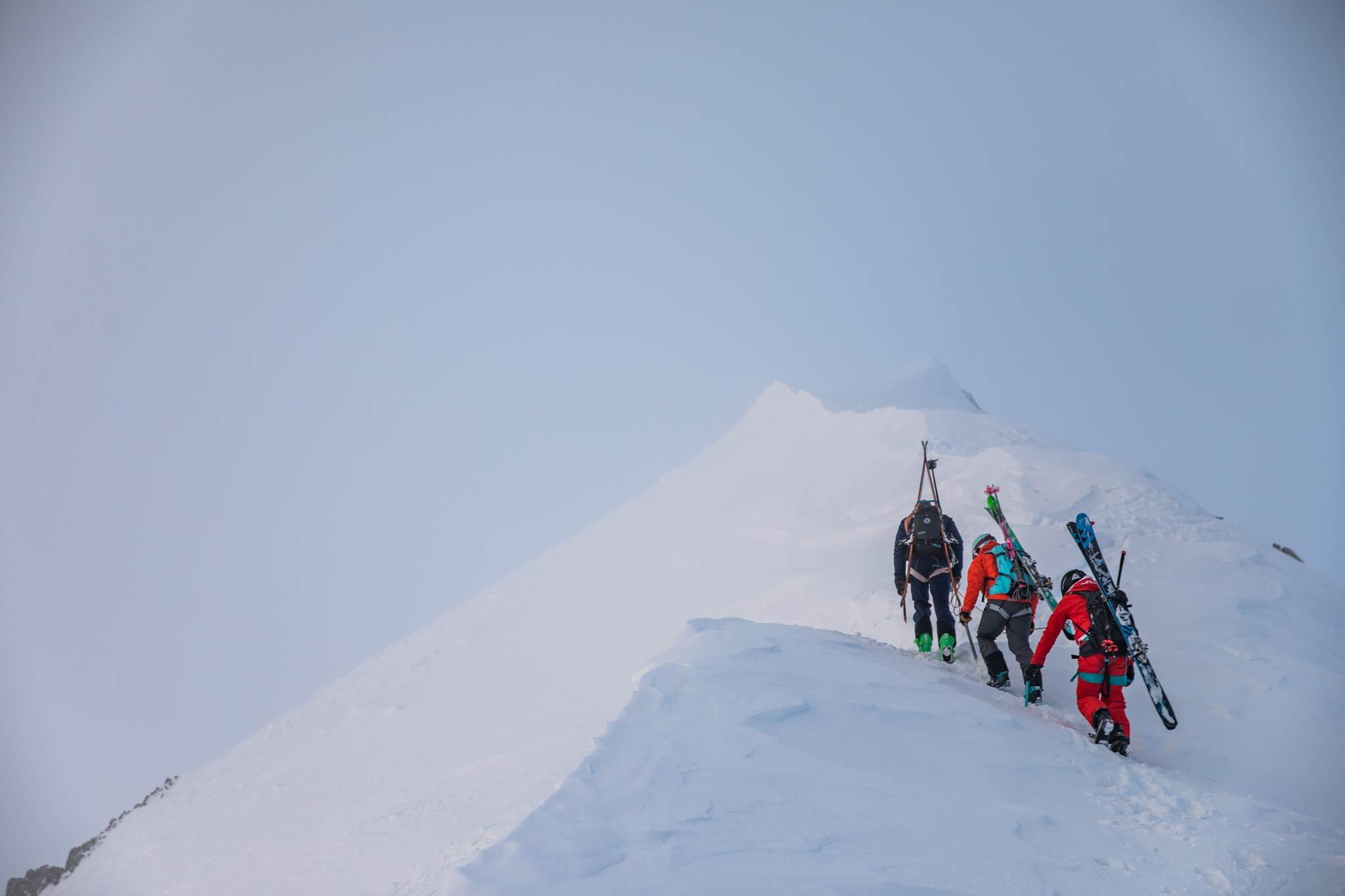 Georgien bietet neben seiner interessanten Kultur viele Möglichkeiten zum Skitouren. - Foto: Thomas Marzusch