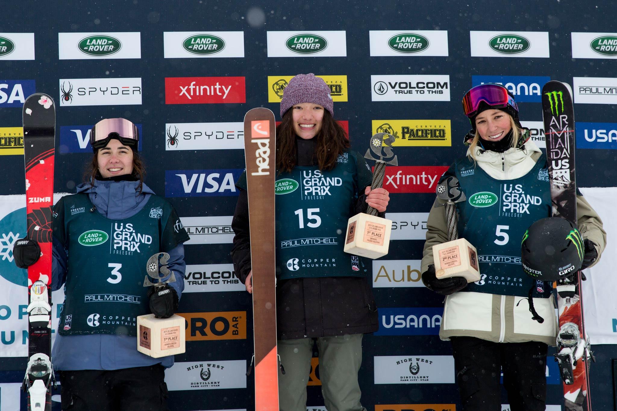 Das Podium der Frauen: Rachael Karker (CAN), Zoe Atkin (GBR), Brita Sigourney (USA) - Foto: FIS Freestyle