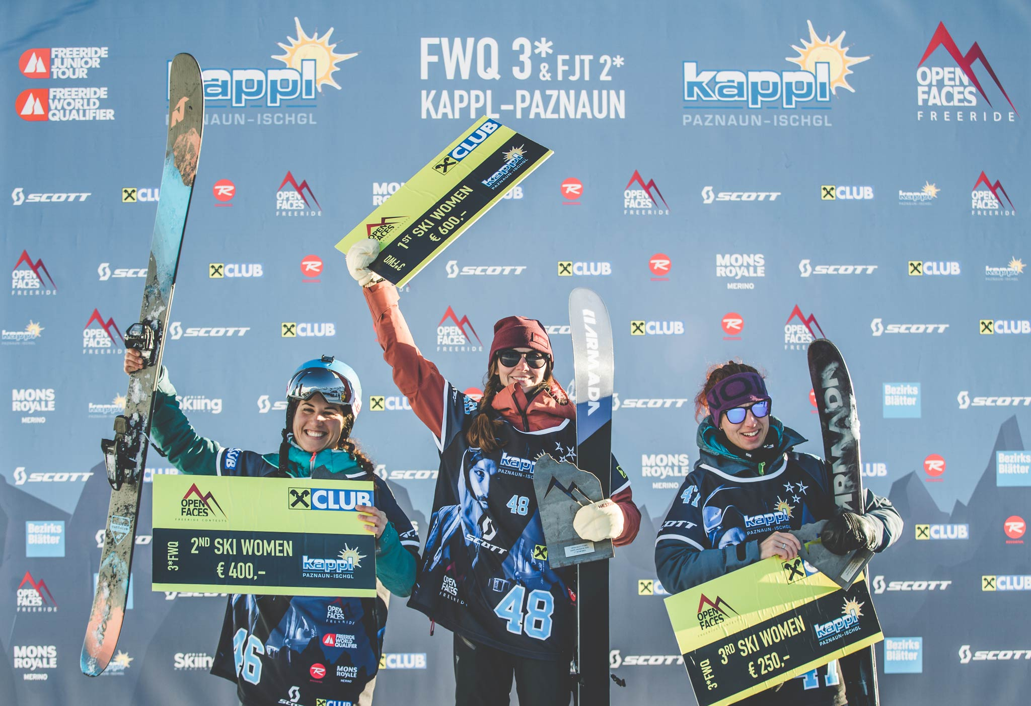 Die drei besten Frauen in Kappl (2020): Valeria Apostolo (ITA), Malene Madson (DEN), Katerina Kalinova (CZE) - Foto: Mia Knoll / Open Faces