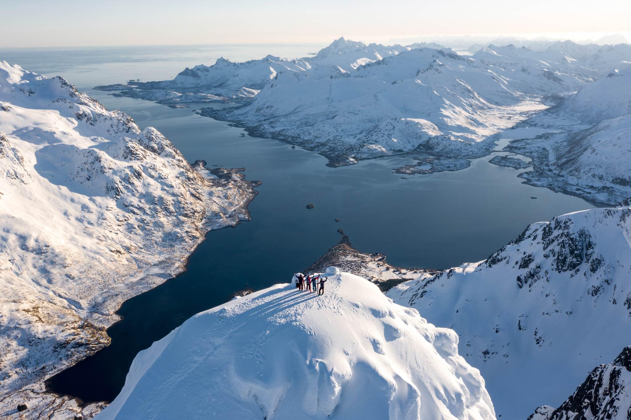 In diese Landschaft muss man sich einfach verlieben: Die Lofoten in Norwegen. - Foto: Inigo Grasset