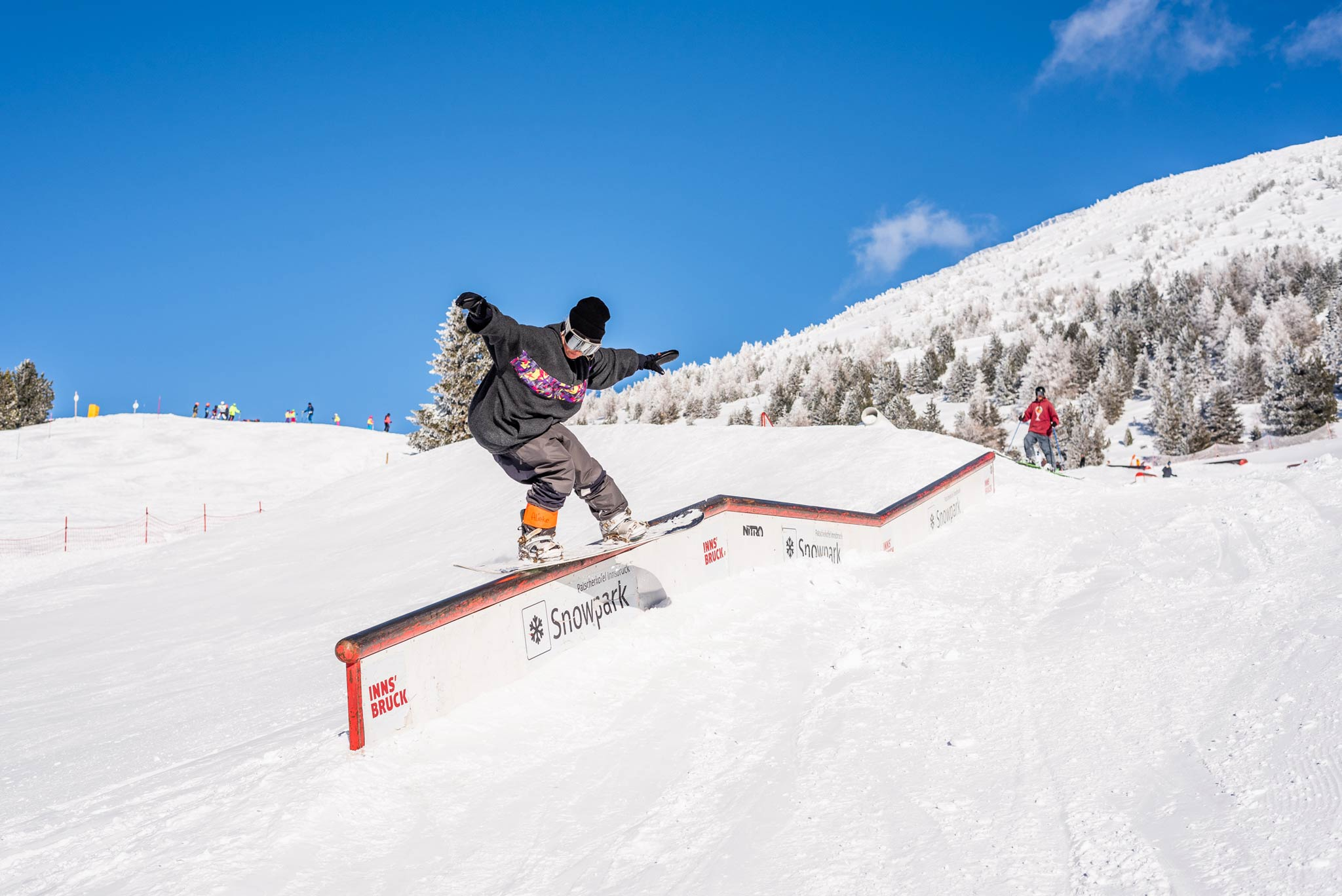 Die Slay Days sind für alle Freestyle begeisterten Frauen gedacht - egal ob Snowboard oder Ski - Rider: Alieke - Foto: Miriam Lottes