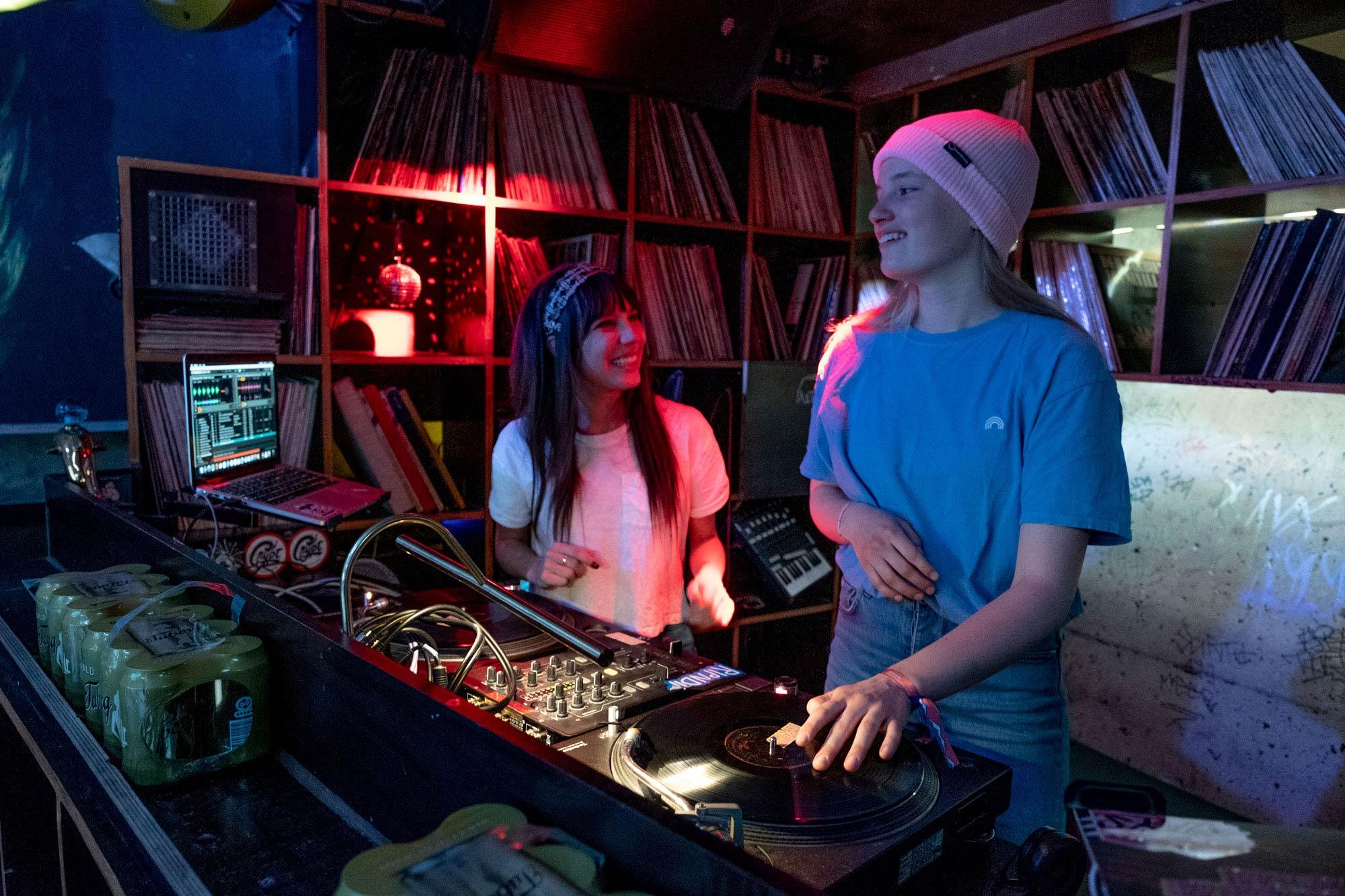 ... wie ein DJ Workshop mit DJ Crystal. - Foto: Sonia Ziegler
