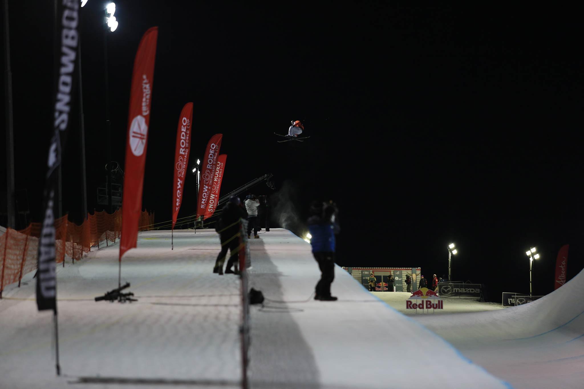 Mit dem Contest in Calgary, Kanada, geht die FIS Freestyle Halfpipe Saison 19/20 zu Ende. - Foto: FIS Freestyle