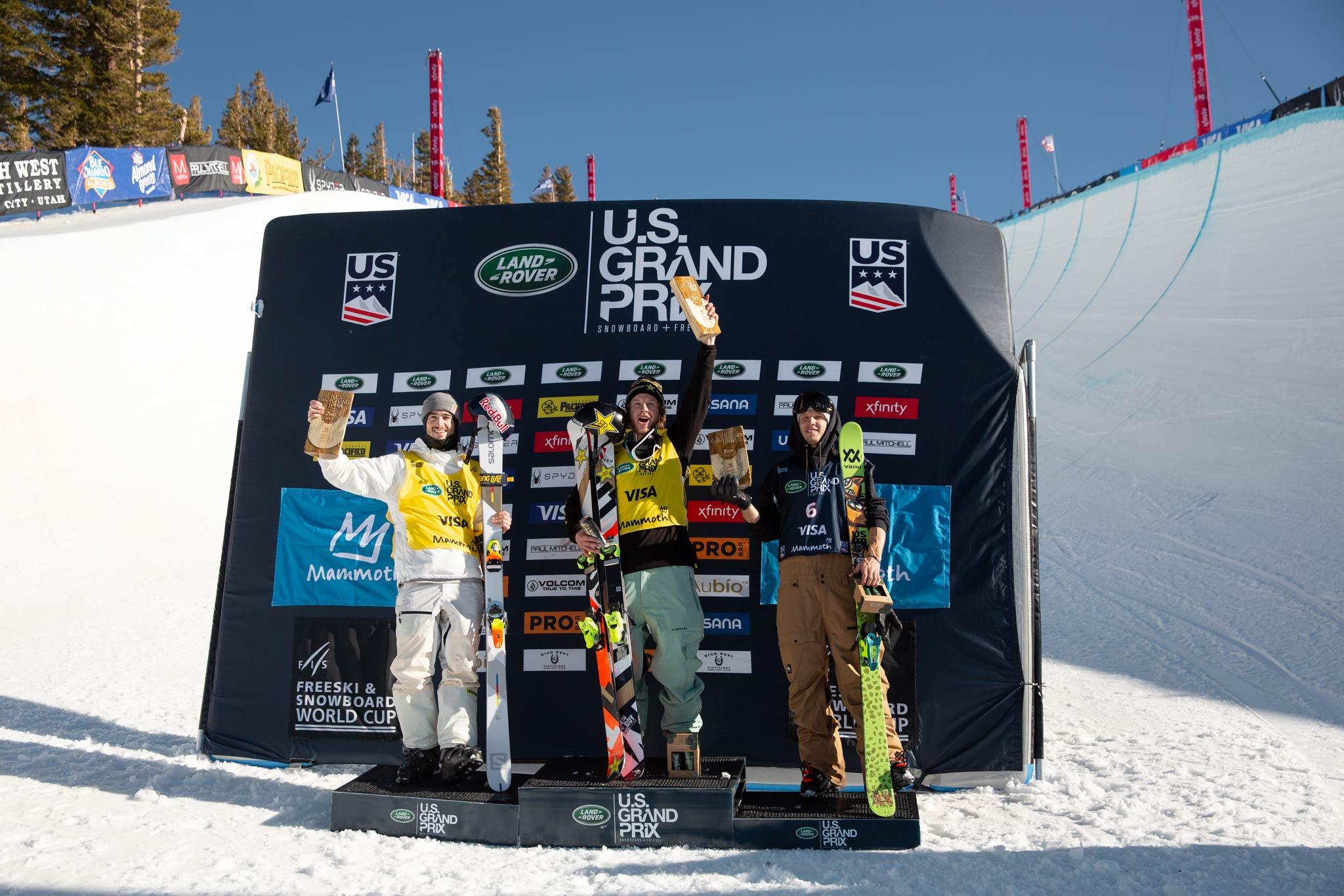 Das Podium der Männer: Noah Bowman (CAN), Aaron Blunck (USA), Lyman Currier (USA) - Foto: FIS Freestyle