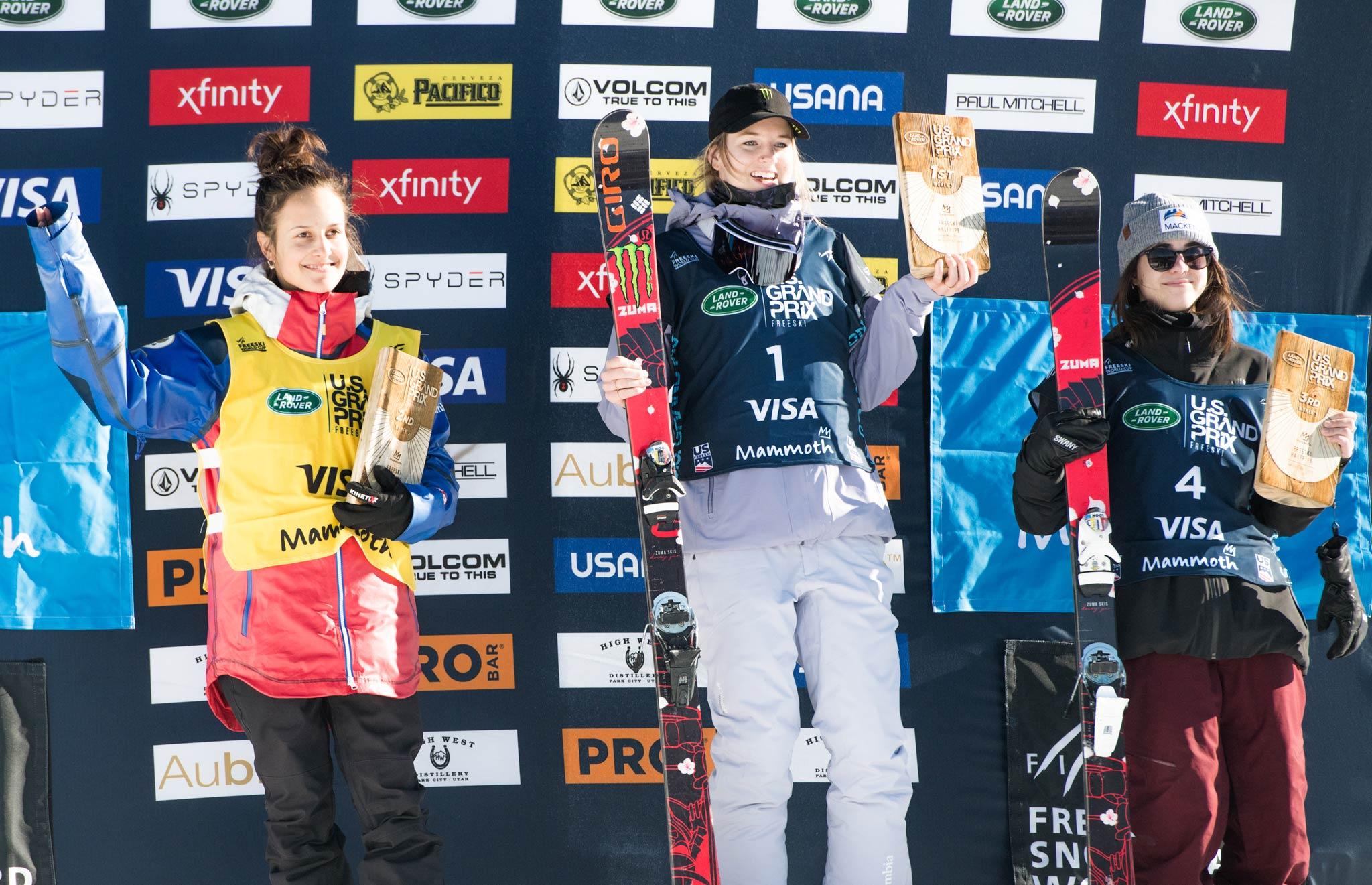 Das Podium der Frauen: Valeriya Demidova (RUS), Cassie Sharpe (CAN), Rachael Karker (CAN) - Foto: FIS Freestyle