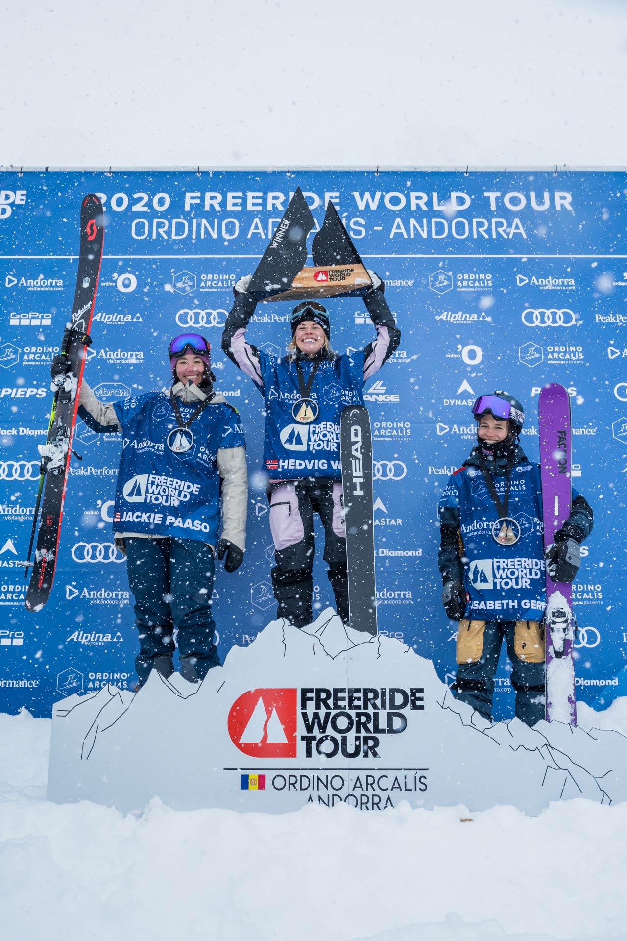 Das Podium der Frauen beim Freeride World Tour 2020 Contest in Andorra: Jaclyn Paaso (USA), Hedvig Wessel (NOR), Elisabeth Gerritzen (SUI) - Foto: freerideworldtour.com / J. Bernard
