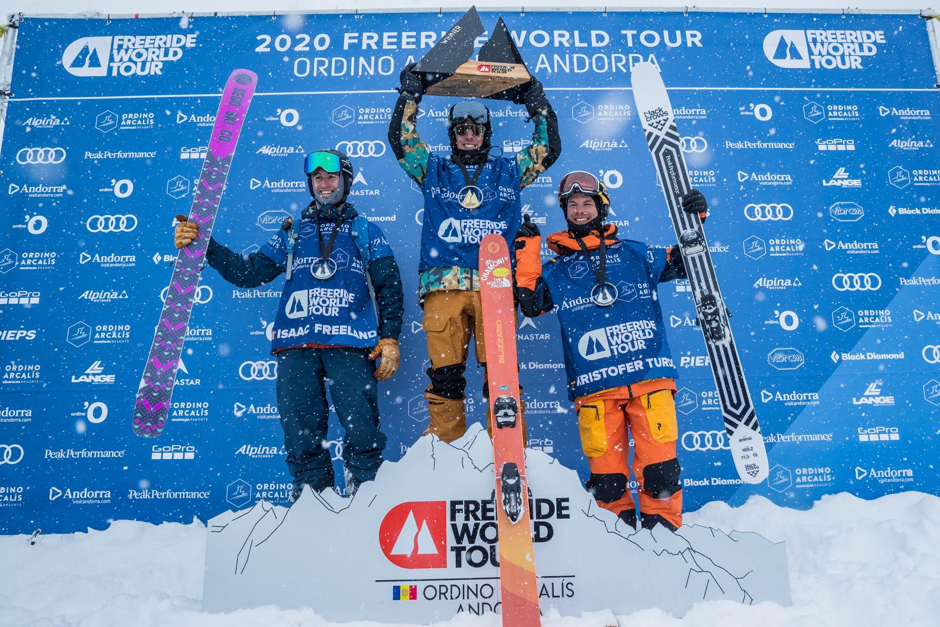 Die drei besten Männer beim Freeride World Tour 2020 Contest in Andorra: Isaac Freeland (USA), Léo Slemett (FRA), Kristofer Turdell (SWE) - Foto: freerideworldtour.com / J. Bernard