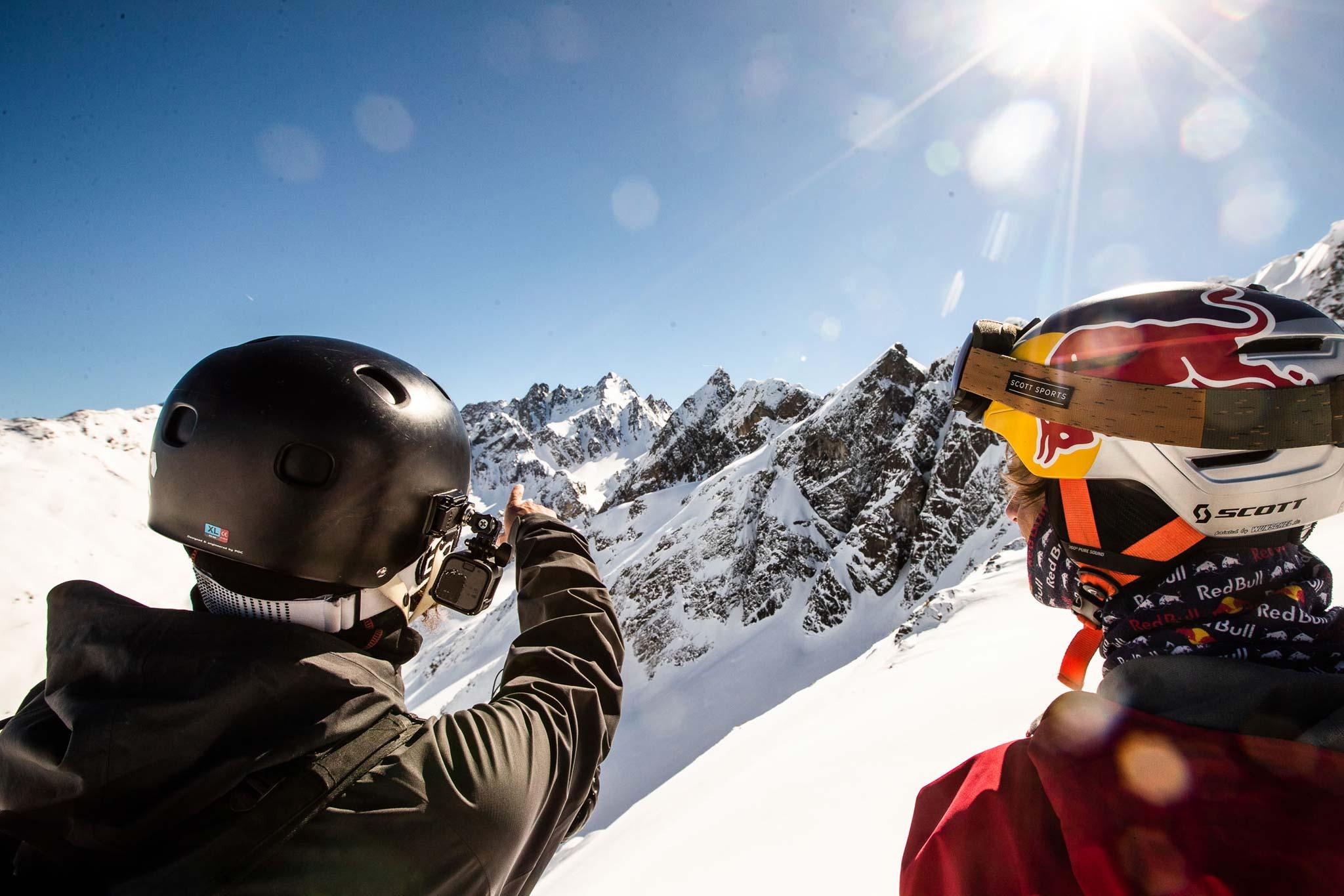 Vor dem Aufstieg und der Abfahrt kommt das Scouting. - Foto: Flo Breitenberger