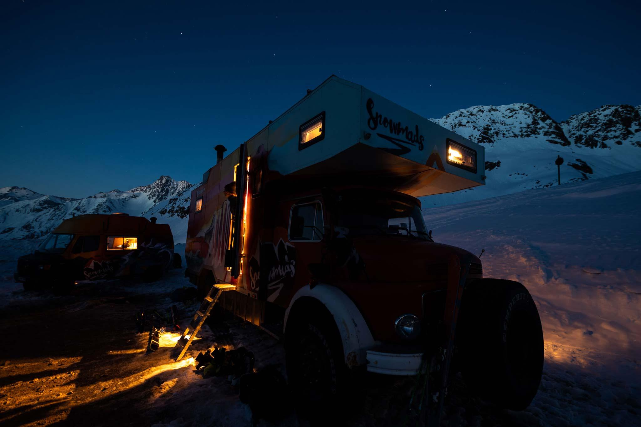Der Snowmads Truck in heimischen Gefilden. - Foto: Flo Breitenberger