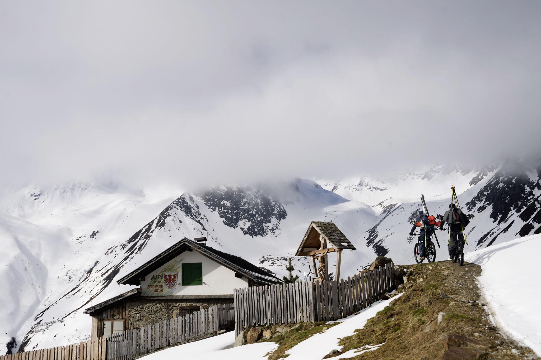 Hike & Ride - Mit dem E-Bike zum Skitouren? - Foto: Roman Lachner