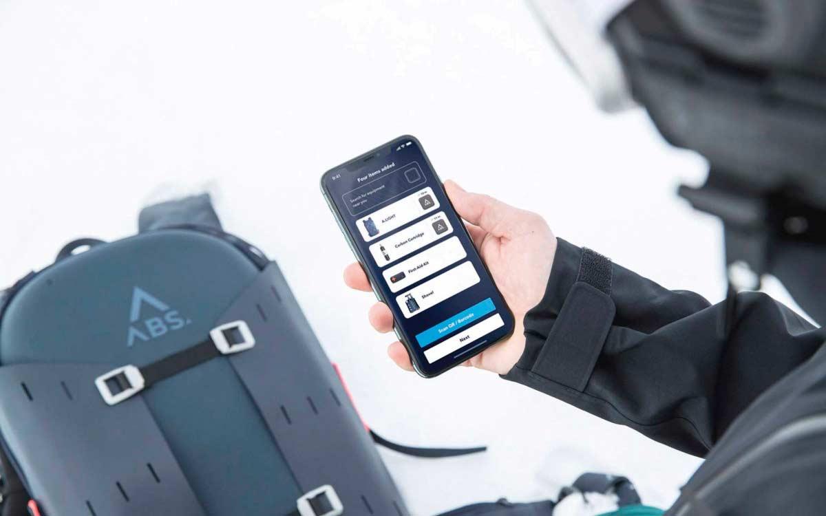 Die von Grund auf neu entwickelte Smartphone-App A.WAY ist mit Tourenplaner, Lawinen-Know-how, Wetter- und Schneeberichten, Tutorial-Videos und vielem mehr das Kommunikations- und Informations-Tool für aktive Wintersportler.
