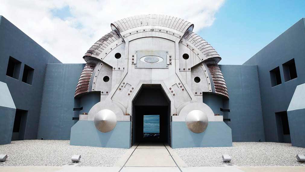 Das Headquarter in Kalifornien könnte ohne Umbaumaßnahmen für zahlreiche Science-Fiction-Movies herhalten.