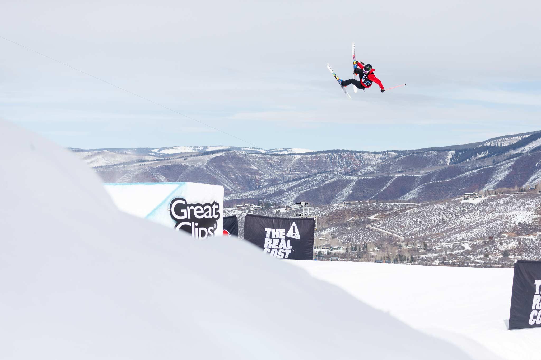 Sarah Hoefflin aus der Schweiz ist auch bei den Winter X Games 2021 wieder mit am Start. - Foto: Trevor Brown, Jr. / ESPN Images