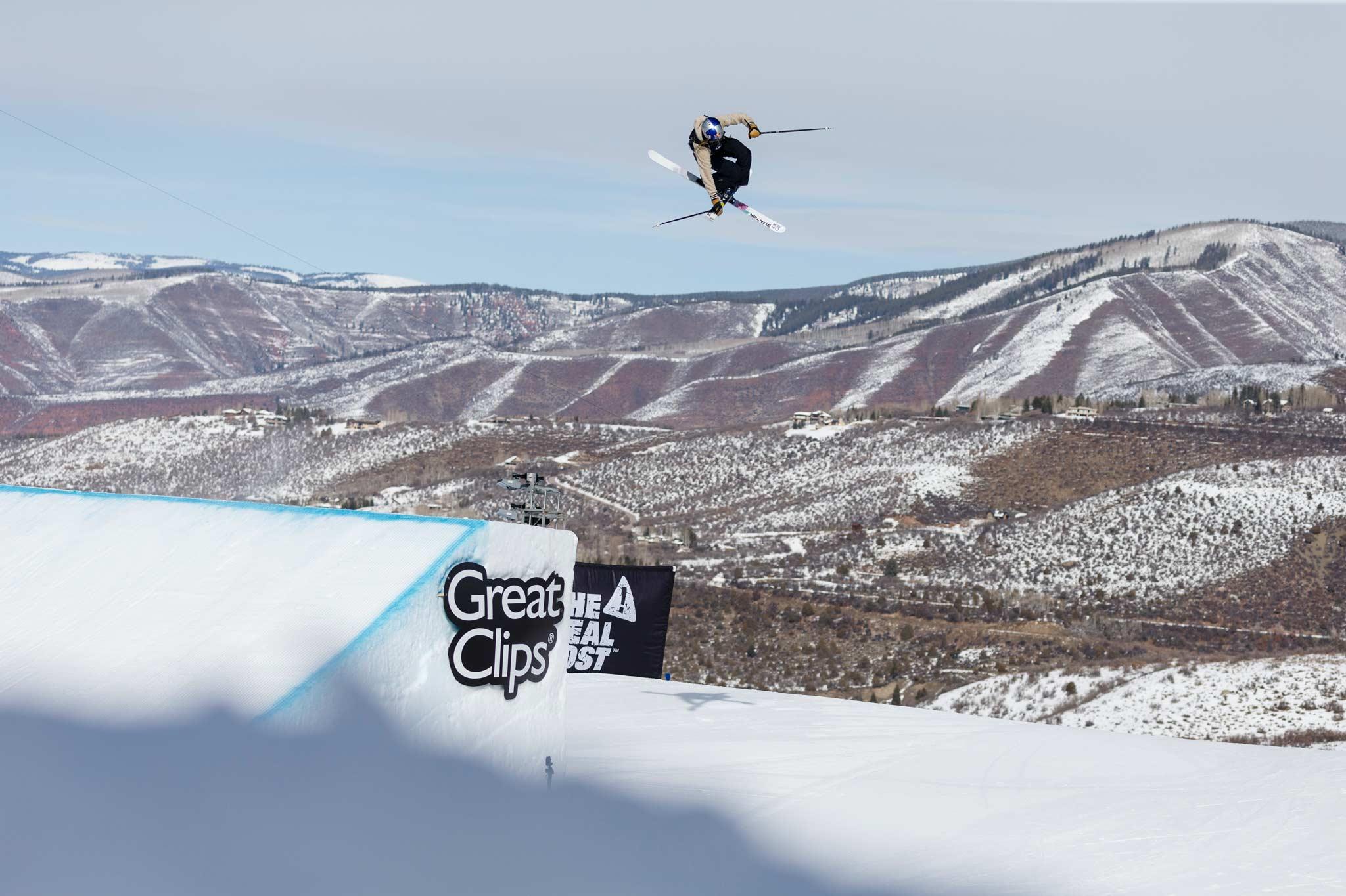 Kelly Sildaru zählt auch bei den Winter X Games 2021 erneut zu den Top-Favoritinnen bei den Frauen, sowohl im Slopestyle als auch in der Superpipe UND im Big Air Contest! - Foto: Trevor Brown, Jr. / ESPN Images