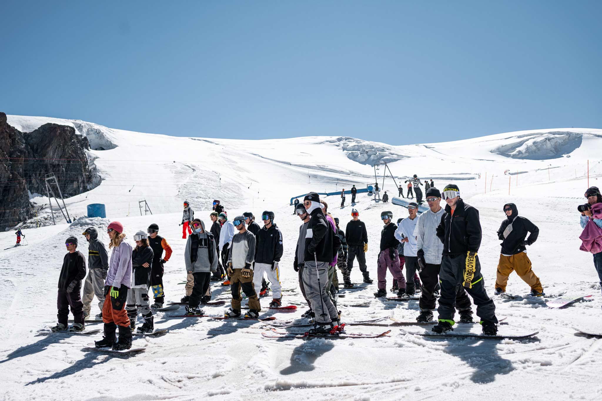 Cash4Tricks Session am letzten Wochenende im Snowpark Zermatt. - Foto: Snowpark Zermatt